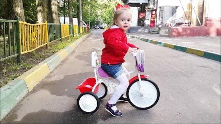 ➤VLOG Кид Кэт Катя – Тестируем велосипед Малыш канал Катя из Москвы KidKat ТV Moscow