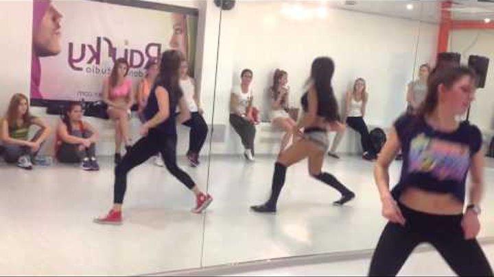 Lessi - Booty Dance - RaiSky Dance Studio (10.01.14)