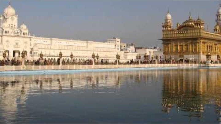 Золотой дворец в Амритсаре. Индия.