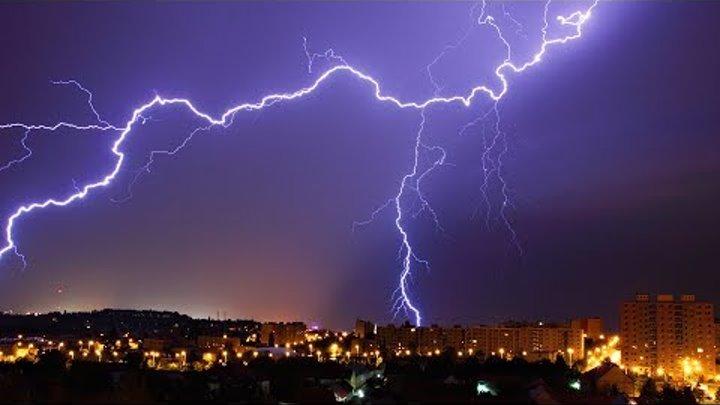 Гром и молния. Ливень в Краснодаре.