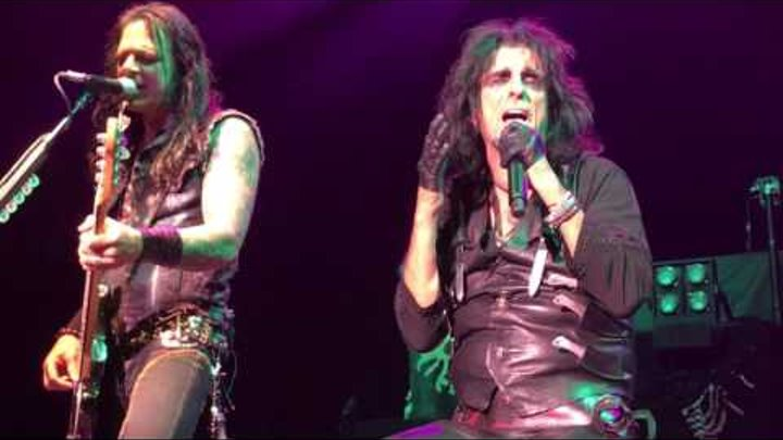 "Alice Cooper ""Only Women Bleed"" front row 6-21-17"