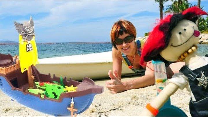 Игрушки — Маша Капуки Кануки и кораблики — Игры на пляже