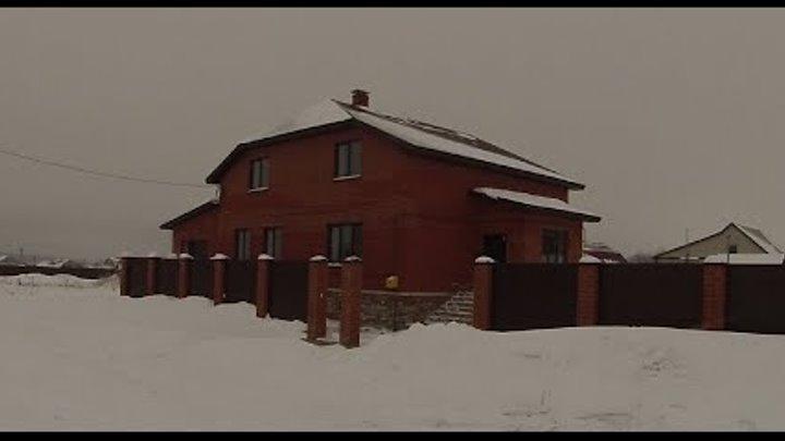 Продам двухэтажный кирпичный дом. Цена: 4.6 млн. рублей (торг). Кузнецк