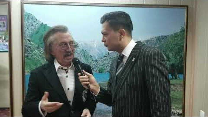 Farrux Zokirov INGLIZ tilida MrOtabekTv (Otabek Mahkamov intervyusi).