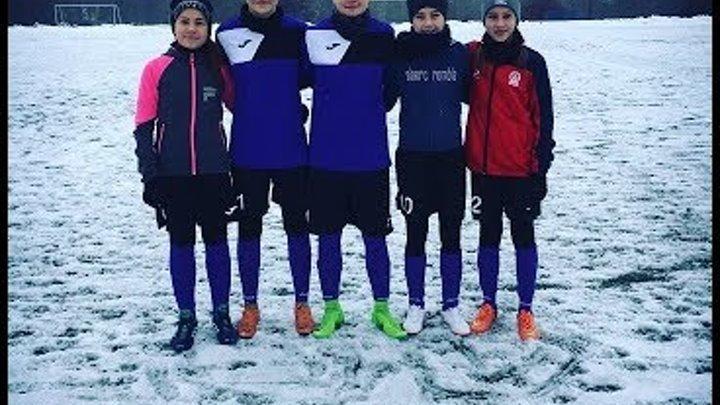 FOOTBALL ON THE ICE. BEST MOMENTS of OUR GIRLS (U-13) vs ZORKA-BDU (U-16). Зимний футбол!