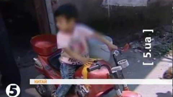 У Китаї появився 3-річний байкер