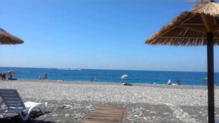 Пляж отеля Бархатный сезон - Чистые пруды Сочи Адлер июль 2014