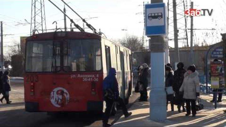 Женщину водителя увольняют из троллейбусного депо