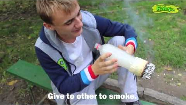 Jackass in Moldova He smokes 100 cigarettes