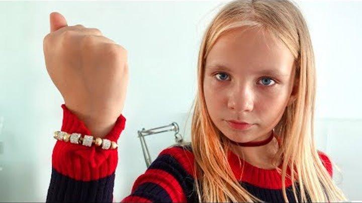 Дети узнали правду про Деда Мороза / ПАРЕНЬ подарил Николь браслет