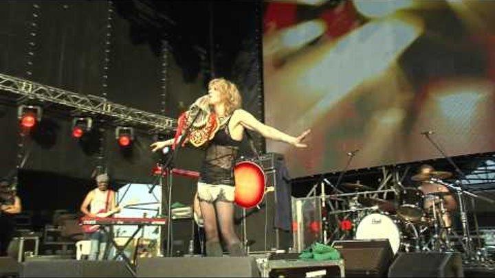 Пикник Афиши 2011 Live (HD) Courtney Love and Hole. Hey Man (Amen).