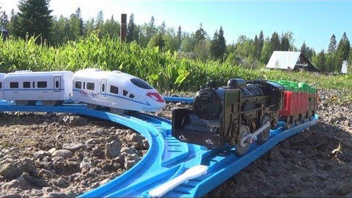 Железная дорога и поезда - игрушки для мальчиков - видео для детей