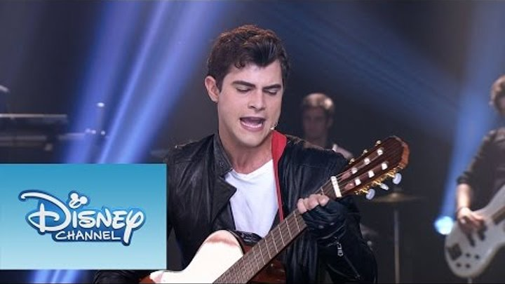 """Violetta: Momento Musical: Diego canta """"Ser quien Soy"""" frente a todos"""