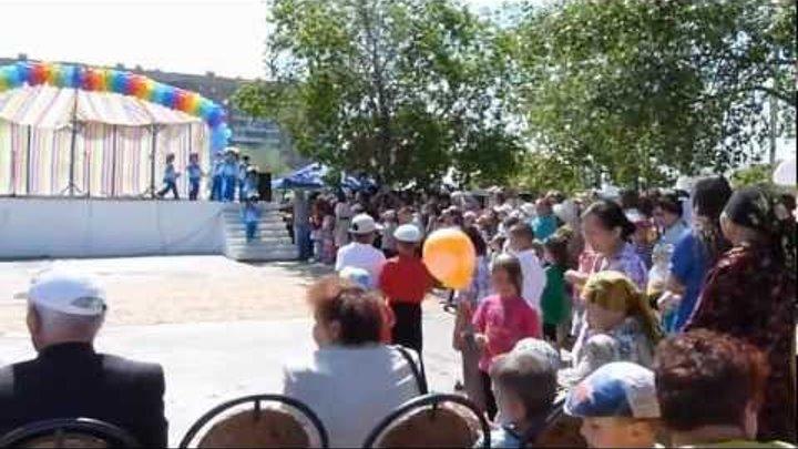 1 июня 2012 года -ролик с праздника в г.Аксу (Ермак)