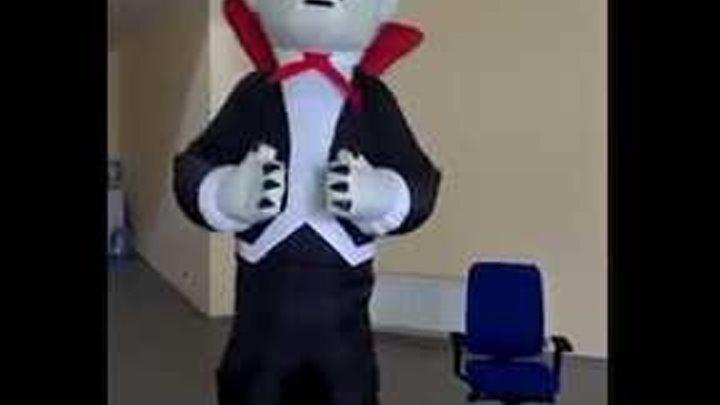 """Надувной костюм пневмо """"Дракула"""". Высота 3 м."""