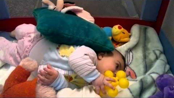 ПРИКОЛ первый дебют малыша