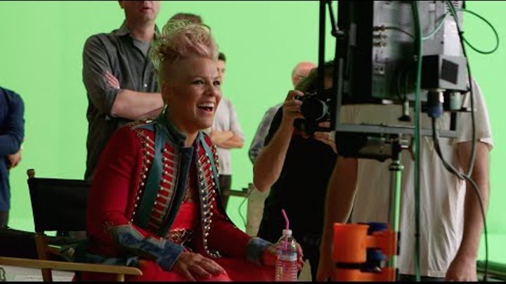"Just Like Fire (From ""Alice Through The Looking Glass"")(Behind the Scenes)"