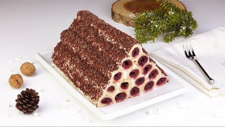 Piramide di cannoli alla ciliegia: una torta da mangiare anche con gli occhi.