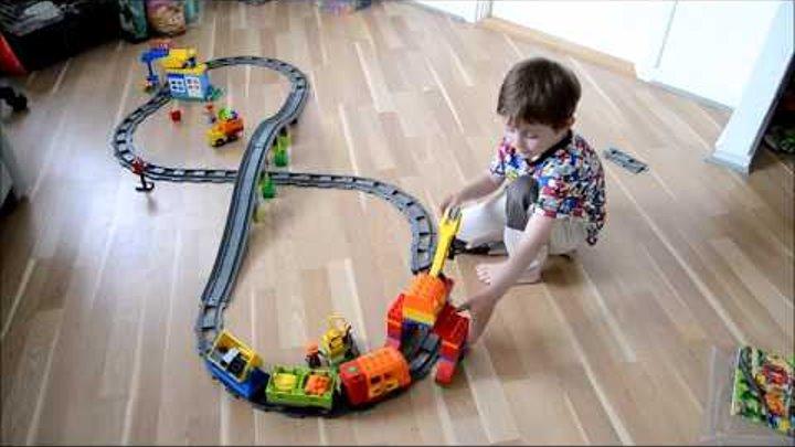 Распаковка и сборка большого ЛЕГО Дупло поезда / Unpacking and assembly of large Lego Duplo train