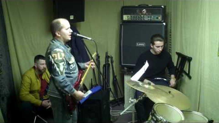 Репетиции в студии риф Виталик Мясников Металлика от Виталика насинг елс метерс