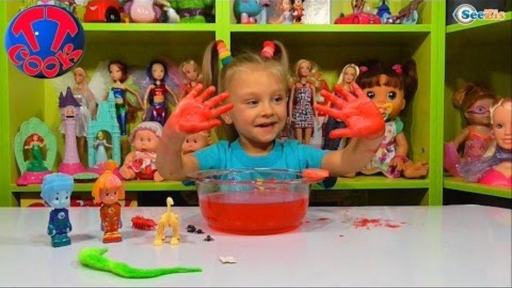 ✔ ФИКСИКИ. Симка, Нолик и Ярослава открывают игрушки сюрпризы. Видео для детей. Tiki Taki Cook ✔
