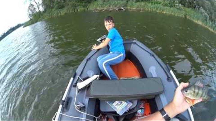 На рыбалке, о сыне который утопил айпад...