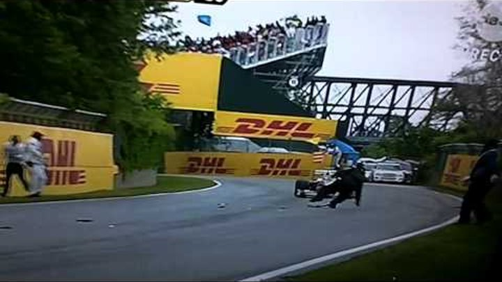 Formula 1 grand prix du Canada 2011 man almost died FRENCH COMMENTARY HD