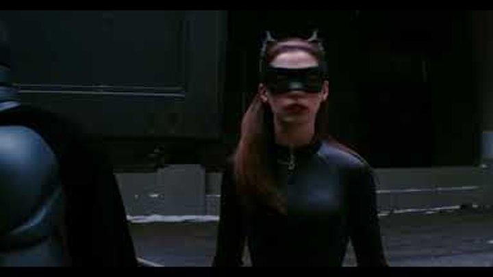 Бэтмен увозит бомбу из Готэма.Темный Рыцарь:Возрождение Легенды