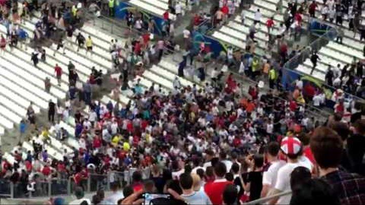 Англия -Россия.Столкновения фанатов после матча.