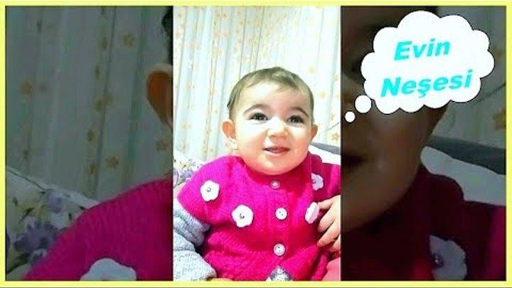 Elif Filme Kaptırınca Gülme Krizi Tutuyor / Komik ve Eğlenceli Çocuk Videosu /Fun kid video
