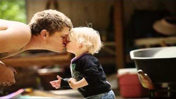 Հայրիկի և փոքրիկի երգը՝ նվիրված մայրիկին...