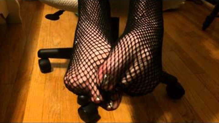 Tenacious Toesies: POV Fishnet Teasing - foot fetish video