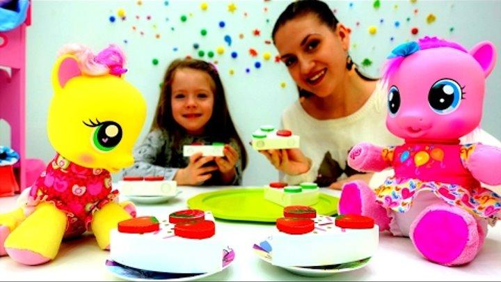 Утро с ЛИТЛ ПОНИ 🍰 Готовим завтрак для #ПинкиПай и #ЭплДжек с Алисой и Аней