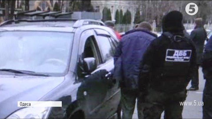 На Одещині на хабарі погоріли поліцейські та активісти з протидії корупції