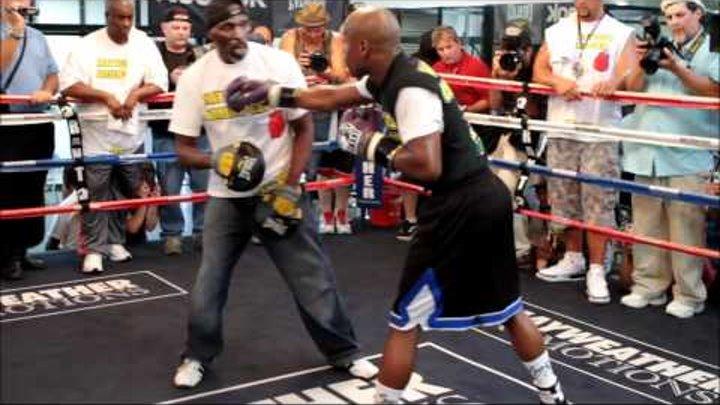 09-06-2011-Floyd Money Mayweather open workout