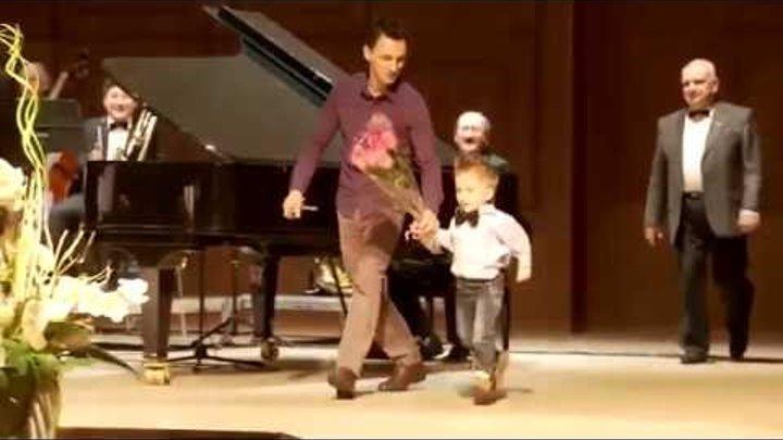 Четырехлетний музыкант Леня Шиловский поразил Италию своим талантом 720p