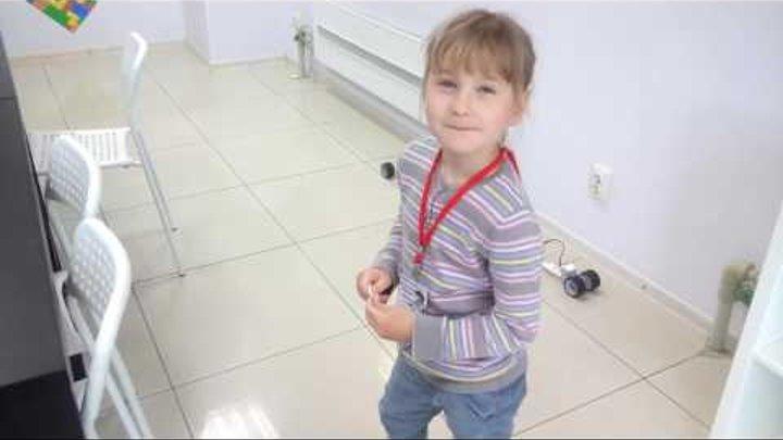 Маша Селезнёва любит прыгать и скакать, Лего собирать и будущее создавать;)