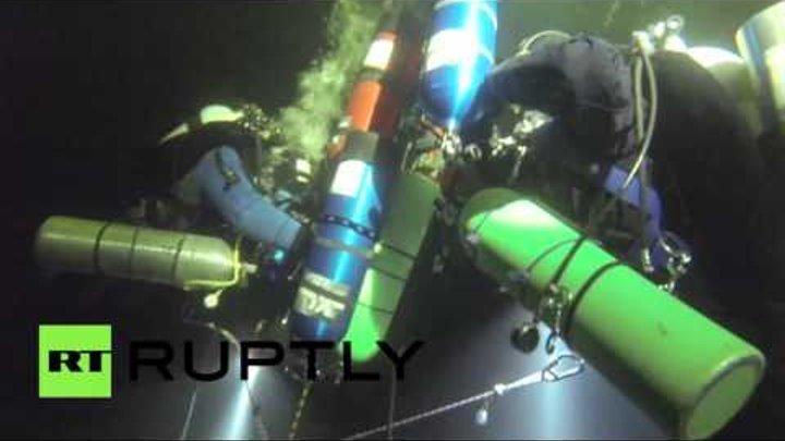 Подводники Русского географического общества совершили рекордное подледное погружение