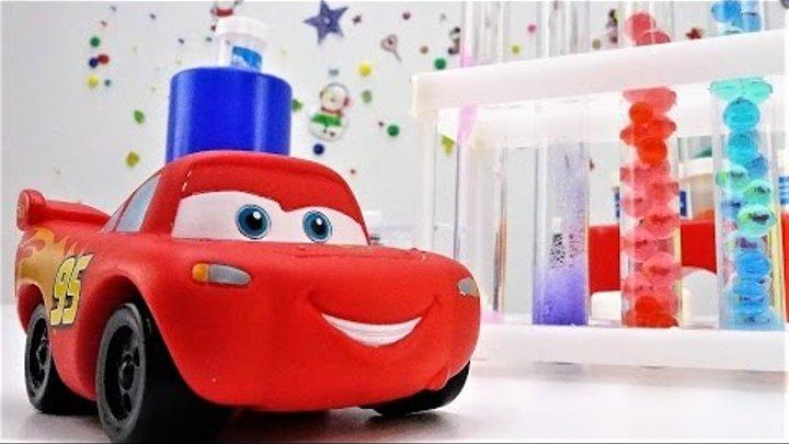 Детские игрушки! Маквин из мультфильма Тачки в видео про игрушки! Гонки Маквина и супер-топливо!