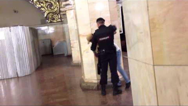 Полиция беспредел в метро