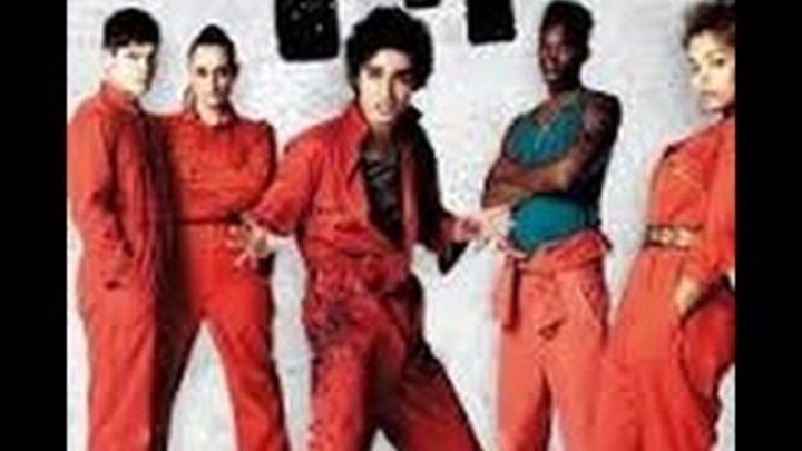 Misfits / Отбросы [3 сезон - 1 серия] 720p