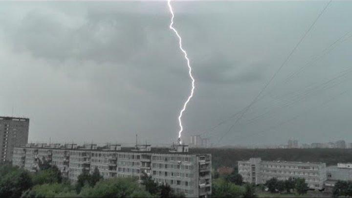 Гроза в Москве / Thunderstorm in Moscow (15.07.13)