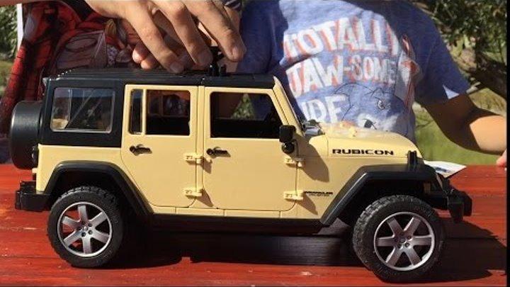 Машинки Bruder. Джип Wrangler. Игрушечная машинка для детей. Jeep Unlimited Rubicon М1:16 (02525)