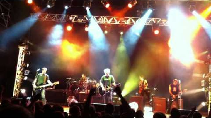 The Offspring - Why Don't You Get a Job? (Live) - Théâtre Antique, Vienne, FR (2011/09/07)