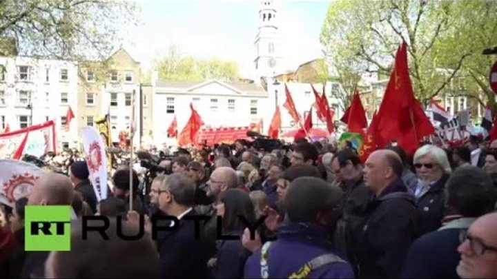 UK: 'We stand absolutely against anti-Semitism' - Corbyn leads London May Day rally