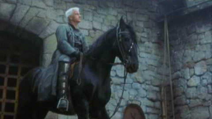 Christopher Lambert in Beowulf, 1999