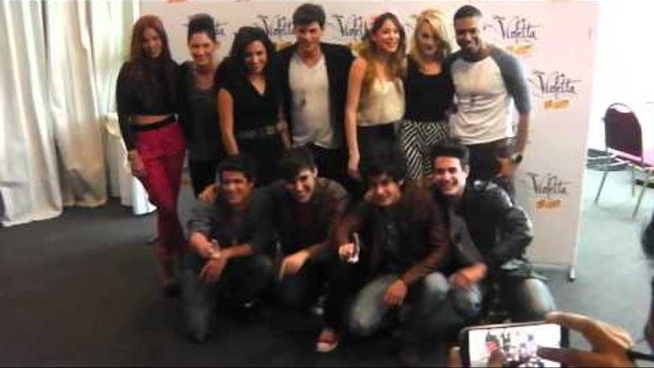 Violetta en Vivo - Conferencia de prensa - Foto del grupo