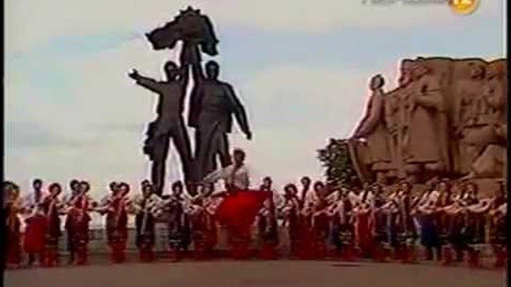 Гопак в исполнении ансамбля им. П.Вирского