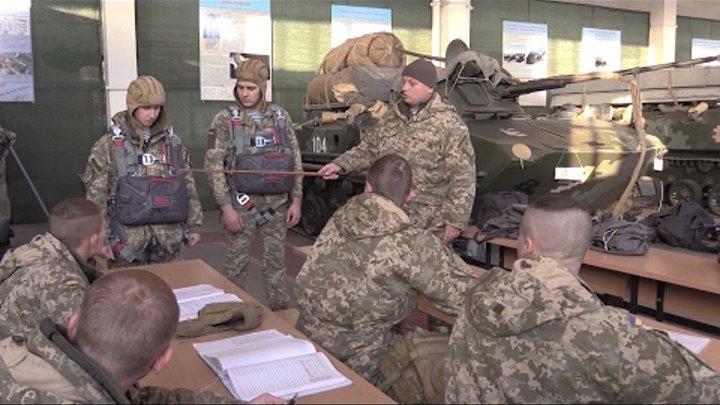 """Одеські курсанти готуються до стрибків з """"Dedal"""""""