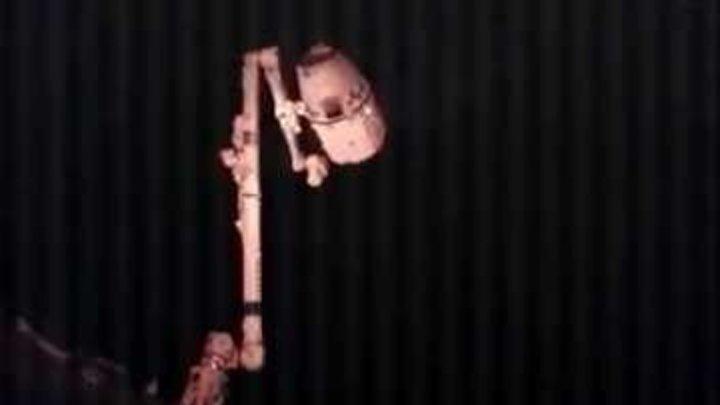 SpaceX видео Dragon отделение от МКС